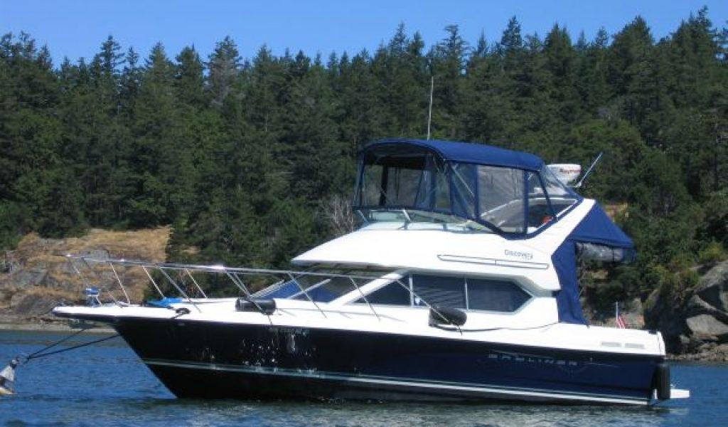 Goa-yacht-rental-bayliner-discovery-1