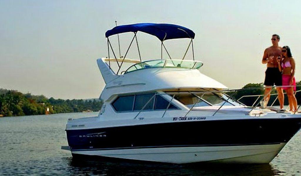 Goa-yacht-rental-bayliner-discovery-6