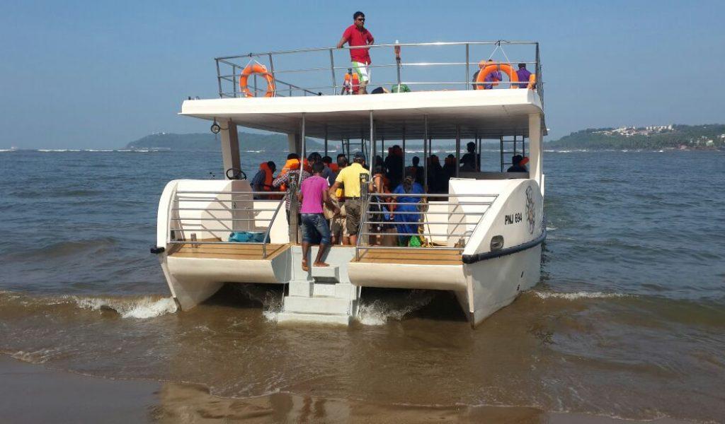 double-decker-yacht-in-goa-3