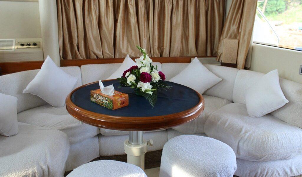 fairline-yacht-rental-boat-goa-4