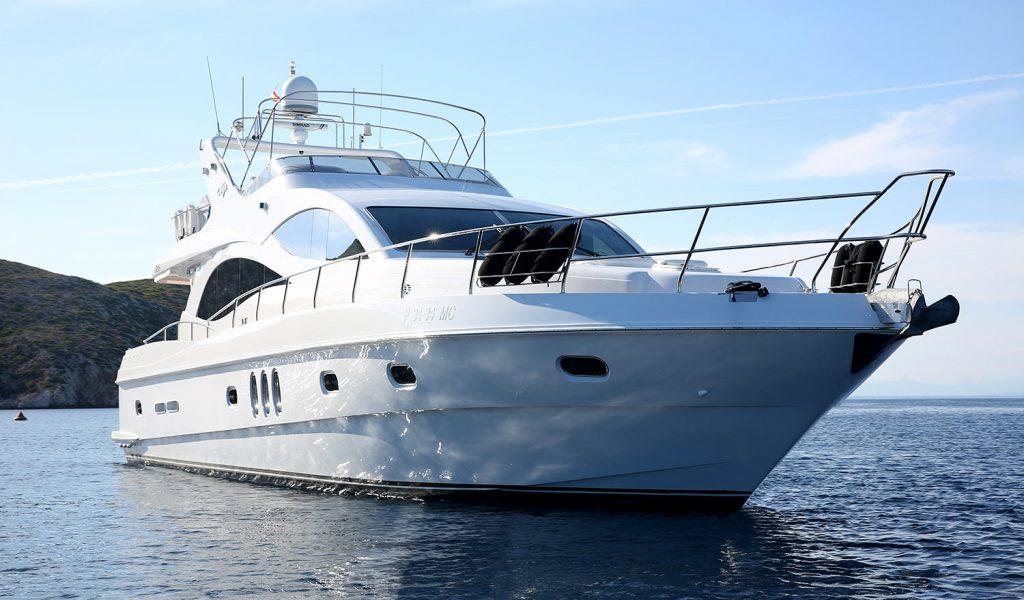 majesty-yacht-charter-goa-1