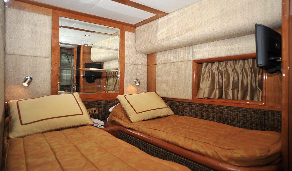 majesty-yacht-charter-goa-6