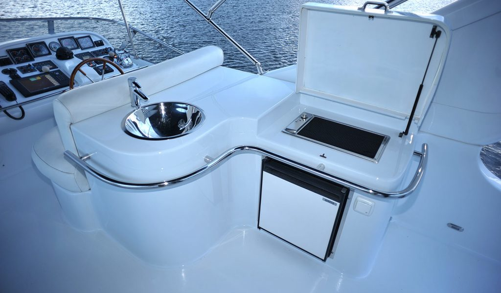 majesty-yacht-charter-goa-8