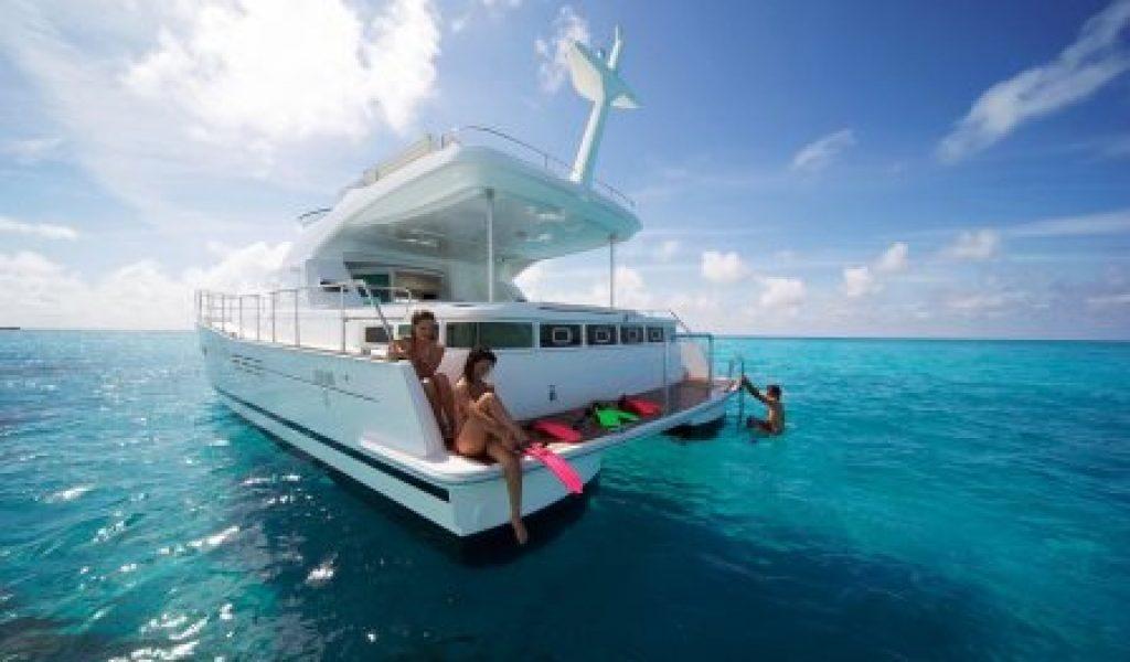 yacht-on-rent-in-goa-laggon-44-3