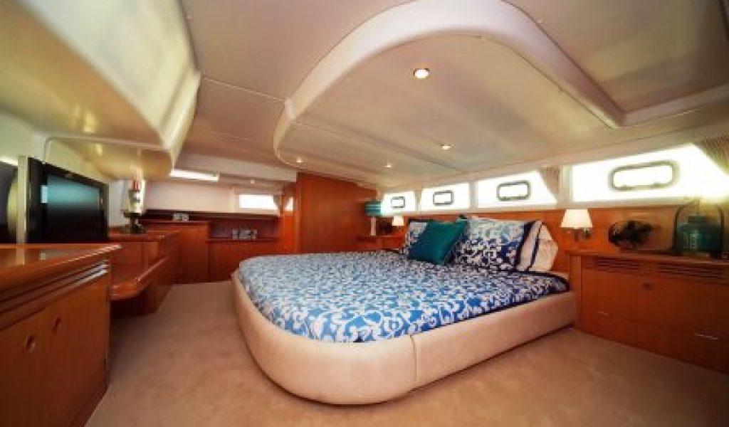yacht-on-rent-in-goa-laggon-44-8